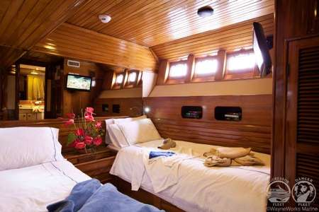 Galapagos Aggressor Deluxe Stateroom Kabine