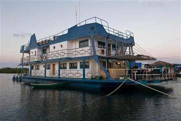 The tortuga offers accomation and diving at the gardens of the queen in Cuba